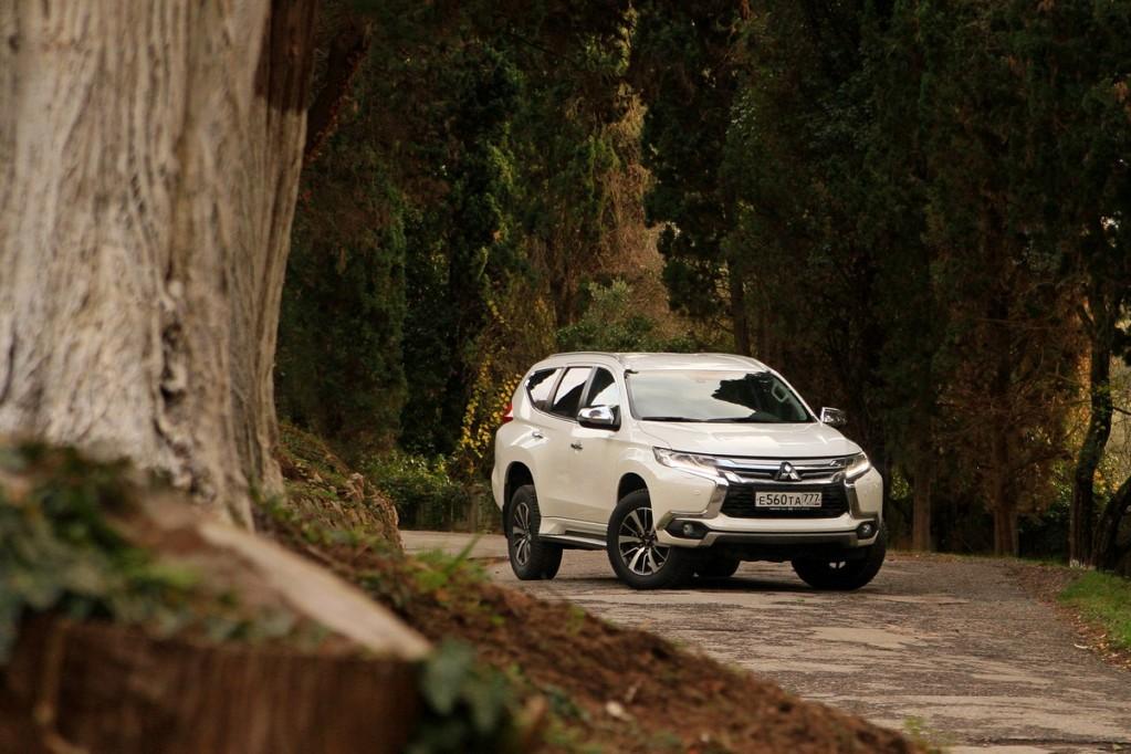 Тест-драйв Mitsubishi Pajero Sport: Храброе дизельное сердце