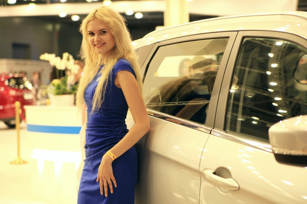 Show girls ММАС 2018: самые красивые девушки автосалона
