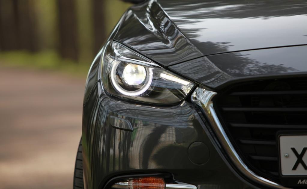 Тест-драйв Mazda 3: Луноликая